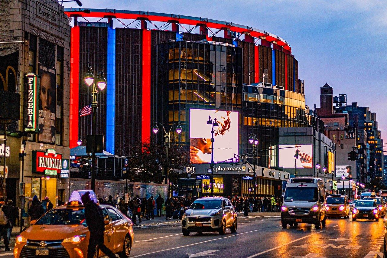 Walking Off The Big Apple: Madison Square